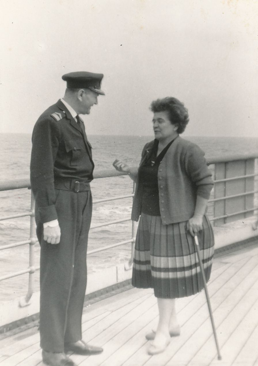 Ioana Radu în croazieră împreună cu un ofițer britanic