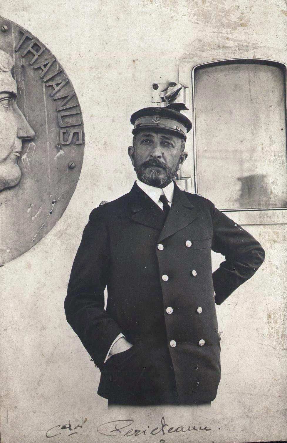 """Comandorul Constantin Periețeanu, comandantul navei """"Imperatul Traian"""", """"a fost pensionat, de astă dată definitiv, ducând cu sine povara unei neşanse şi amărăciunea singurului său eşec tocmai la capătul unei strălucite cariere""""."""