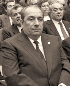 General-maior Constantin NUȚĂ, împreunăc cu generalul Velicu Mihalea, a murit carbonizat în urma doborârii elicopterului în care se aflau.