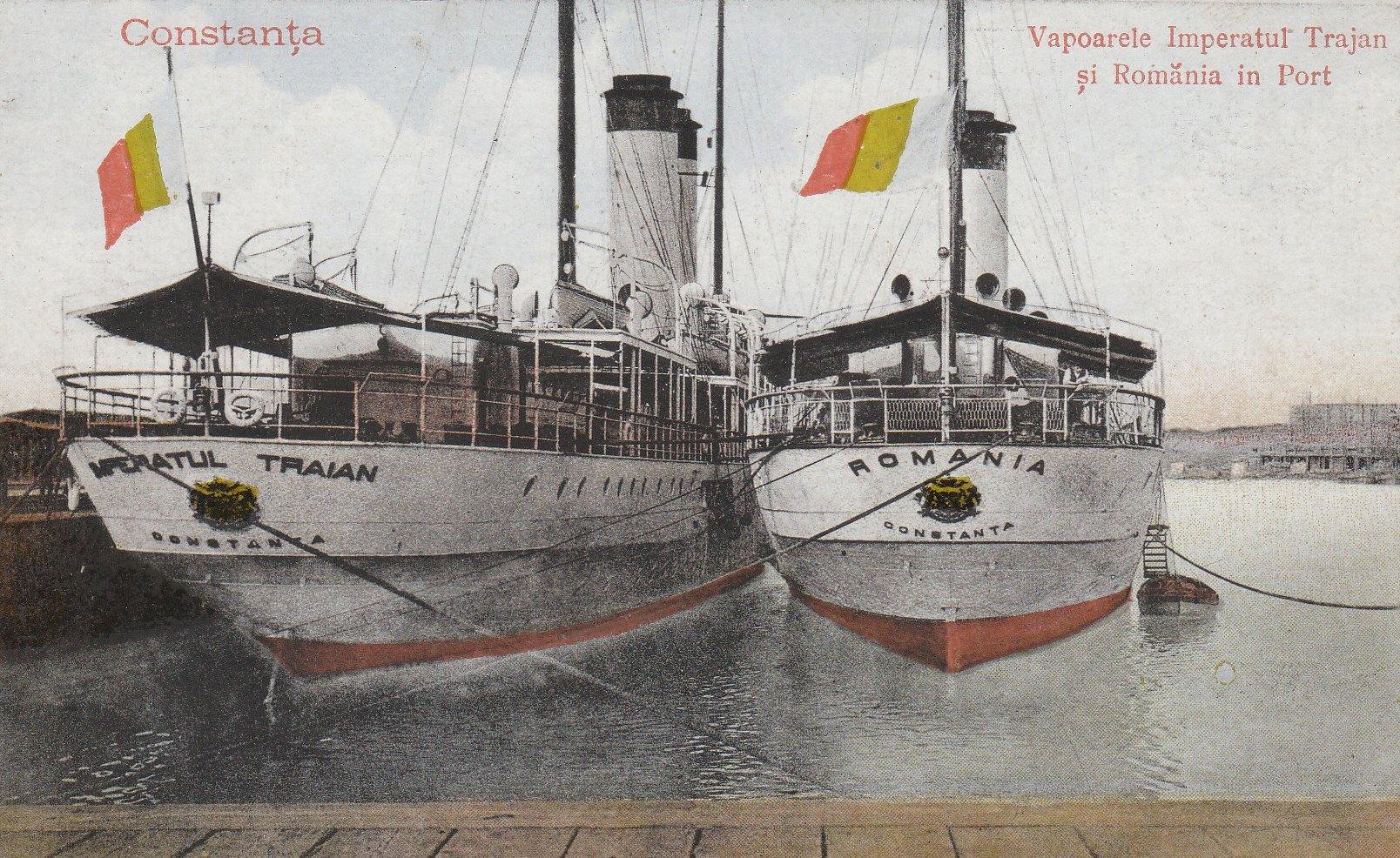 """Navele de pasageri """"Împăratul Traian"""" și """"România"""" în portul Constanța."""
