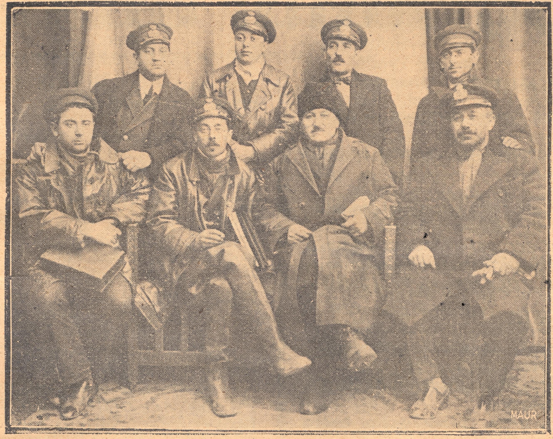 """O parte a echipajului navei """"Împăratul Traian"""", după eşuare (""""Orizontul maritim"""", An 1, No. 10 și 11, martie-aprilie.1934, pag. 11)."""