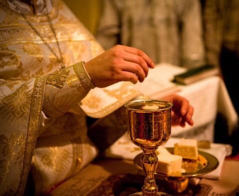 Sfântul Potir de împărtășanie.