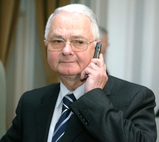 Virgil Măgureanu, primul Director al Serviciului Român de Informații (S.R.I.), după anul 1990.