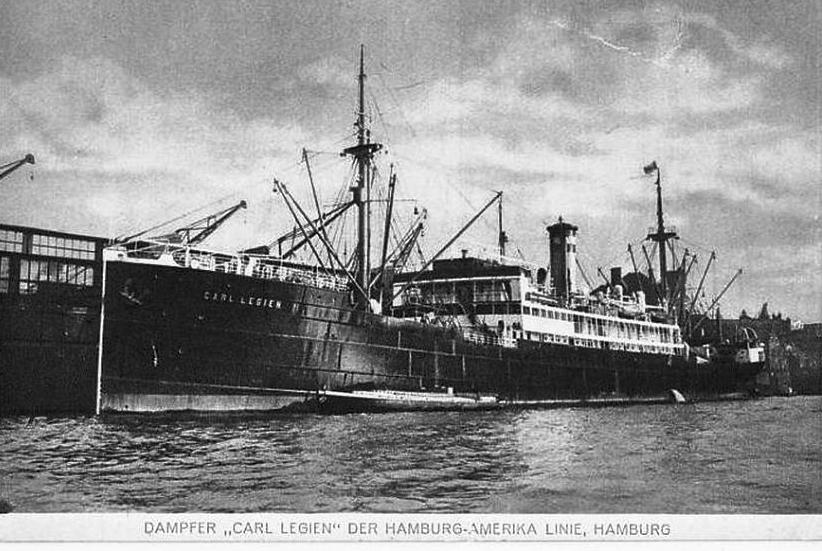 """Nava mixtă """"Alba Iulia"""", ex-""""Carl Legien"""", în decembrie 1922."""