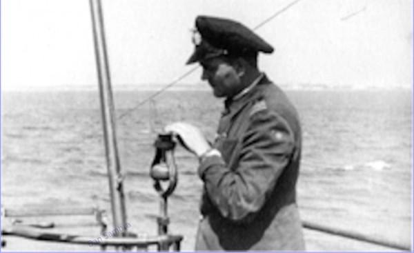 """Constantin (Bibi) Costăchescu a comandant submarinul în timpul torpilării cargoului sovietic """"Uralles""""."""