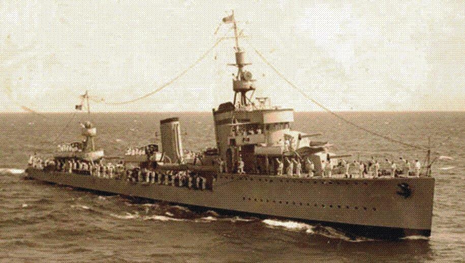 """Distrugatorul """"Mărășești"""", ex-""""Nubbio"""". Înainte de declanşarea WW2, cele patru distrugătoare au primit o pitură de camuflaj (dungi şi triunghiuri de diverse culori), adecvată spaţiului tactic din Marea Neagră, precum şi câte un semn de război, respectiv însemnele unui careu de AŞI: """"Mărăşeşti"""" a primit semnul Asului de Treflă, """"Mărăşti"""" - semnul Asului de Caro, """"Regele Ferdinand"""" - semnul Asului de Cupă, """"Regina Maria"""" - semnul Asului de Pică."""