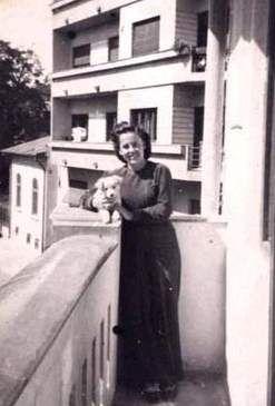 """Ilse Lothringer, 17 ani, iubita lui David Stoliar, a murit în tragedia de pe """"Struma"""". Fotografia, facuta in Bucuresti in anul 1941, se află la Muzeul Holocaustului Yad Vashem"""