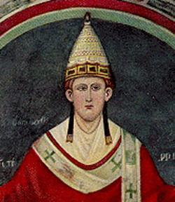 """Acest mozaic al Papei Inocenţiu al III-lea, ce îl arată în jurul perioadei în care a devenit papă, la vârsta de 37 de ani (c. 1198), provine din vechea bazilică a Sf. Petru. Inocenţiu al III-lea a guvernat """"una din cele mai ruşinoase episoade ale istoriei creştine"""" (Papalitatea, idem, pag. 67). Din cauza vehemenţei sale în confruntarea cu """"ameninţarea eretică"""" (Enciclopedia Catolică, VIII, pag. 16), numele său a devenit ulterior sinonim cuvântului cruzime (Enciclopedia lui Didero)."""