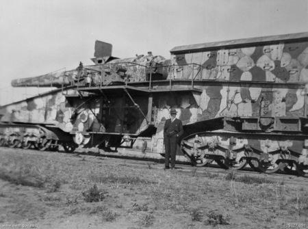 """Bateria mobilă de artilerie """"Lange Bruno"""" și bateria """"Tirpitz"""" au constituit o formidabilă redută de apărare a litoralului românesc în timpul WW2."""
