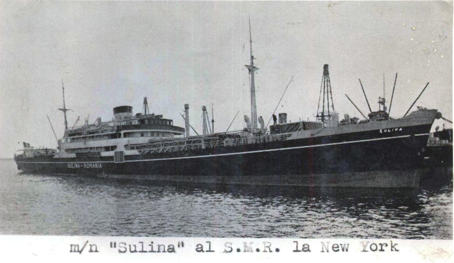 """Nava """"Sulina"""", aparținând S.M.R. (Serviciul Maritim Român), în escală la New York."""
