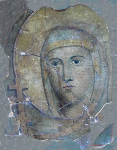 Această sfântă icoană a Cuvioasei Parascheva a fost cinstită ca şi icoană a Maicii Domnului într-o familie de drept credincioşi din Sulina. În anul 1928, în urma unei mari încercări, icoana a plâns. În prezent se află la Oradea.