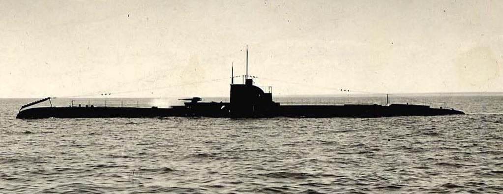 "Submarinul ""Delfinul"" în larg."
