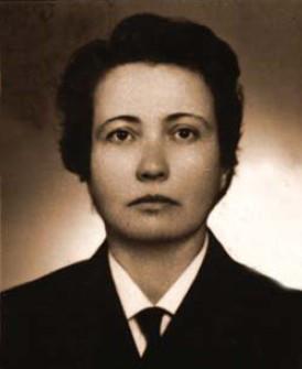 Teodora Angela Elefterescu – prima femeie comandant de cursă lungă