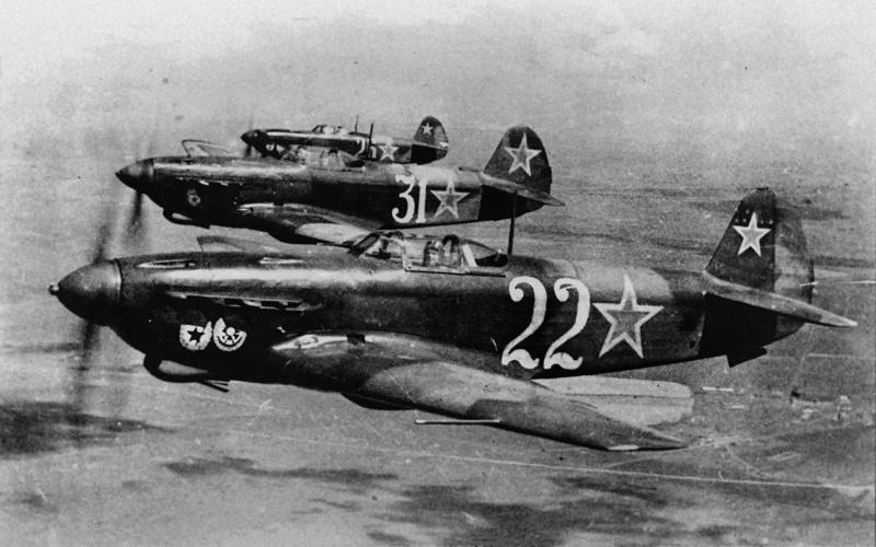 Aparate tip IAK-9 ale aviatiei sovietice.