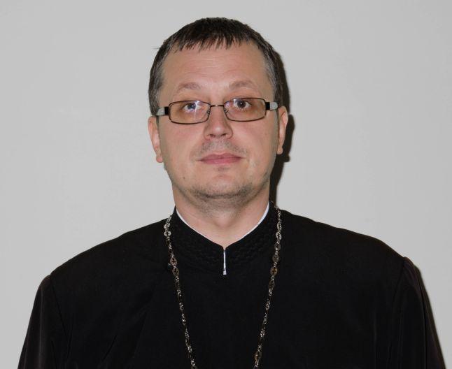 Preotul Ioniță Florin știe ce se întâmplă în mintea celor care se gândesc să se sinucidă.