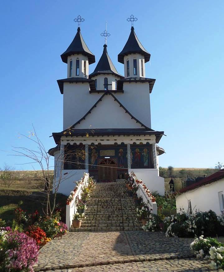 Manastirea Strunga.jpg