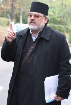 Preotul Pricop Mircea fără pistol.
