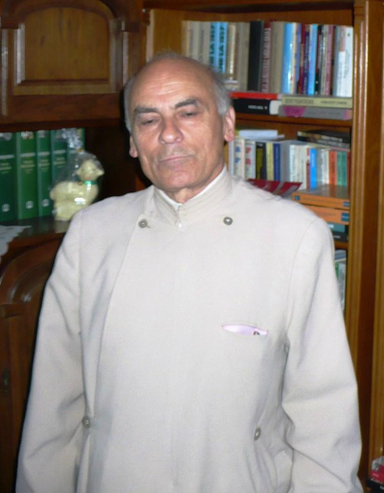 Preotul Constantin Țuțuianu știe multe, dar vorbește puțin.