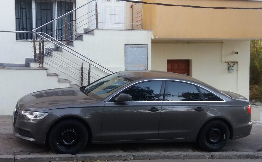 """Limuzina """"Audi"""" A6 a preotului Florin Rusu."""