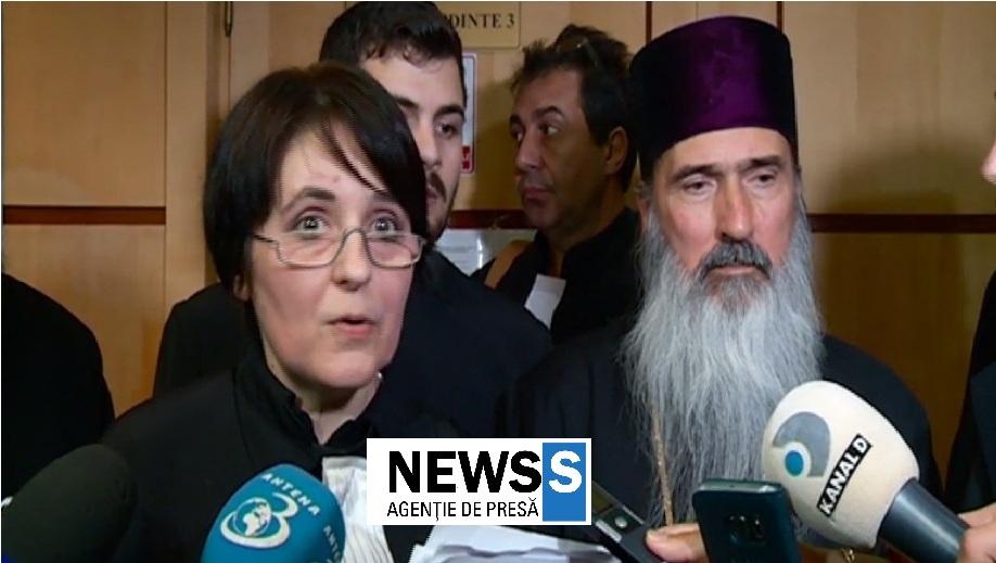 """Maria Vasii (avocat al inculpatului Teodosie): - ,,Înaltul are hainele de pe dânsul: nu are familie pe care s-o-mbogățească, nu are pe nimeni. Tot ce are dumnelaui sunt aceste straie pe care vrea să le poarte cu cinste""""!"""