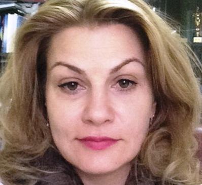 """Doctoratul Anamariei Ciobotaru – contestat la Universitatea """"Ovidius"""" și C.N.A.T.D.C.U."""