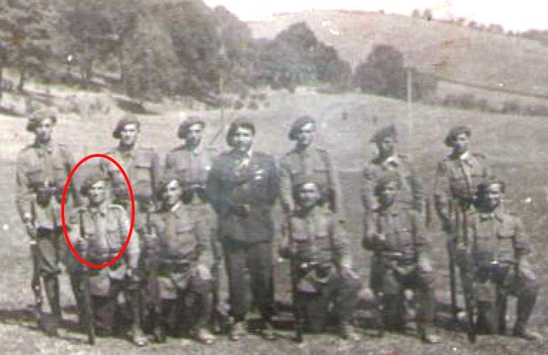 Justin Pârvu, soldat la instrucție în timpul stagiului militar.