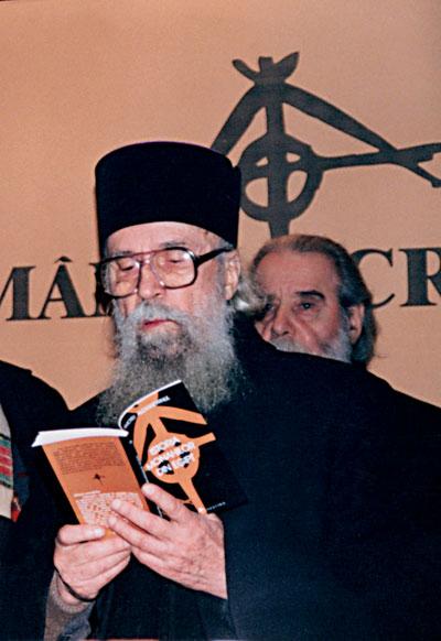 Arhimandritul Ion Ioasaf Popa (1919-2003), duhovnic, cărturar și predicator de talie, dar care a trăit toată viața într-o mare smerenie.