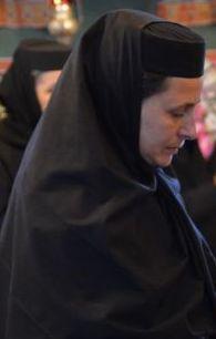 Justina - Ilona Roxana Bujor, stareța Mănăstirii Paltin - Petru Vodă.