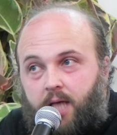 Cand si microfonul este o tentatie - preotul Ioan - Valentin Istrati