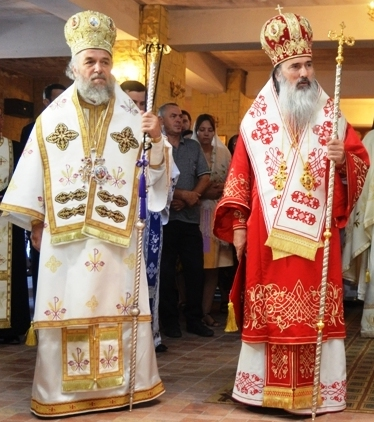 Casian Crăciun și Teodosie Petrescu. doi ierarahi homosexuali care au produs grave tulburări în B.O.R., trebuie degrabă caterisiți.