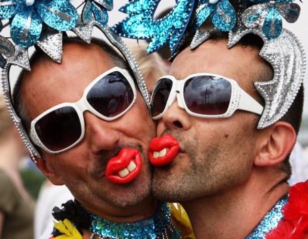 gay_parade_22-720x480