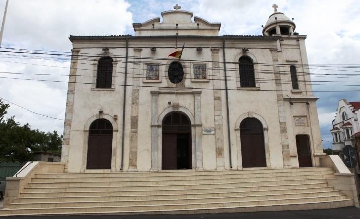 """Biserica Greacă """"Metamorfosis"""" (""""Schimbarea la faţă"""") este cea mai veche biserica ortodoxă din Constanţa."""