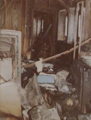 Cabina lui Dumitrache Delicote, după stingerea incendiului provocat de atacul cu rachete (foto: adevarul.ro)