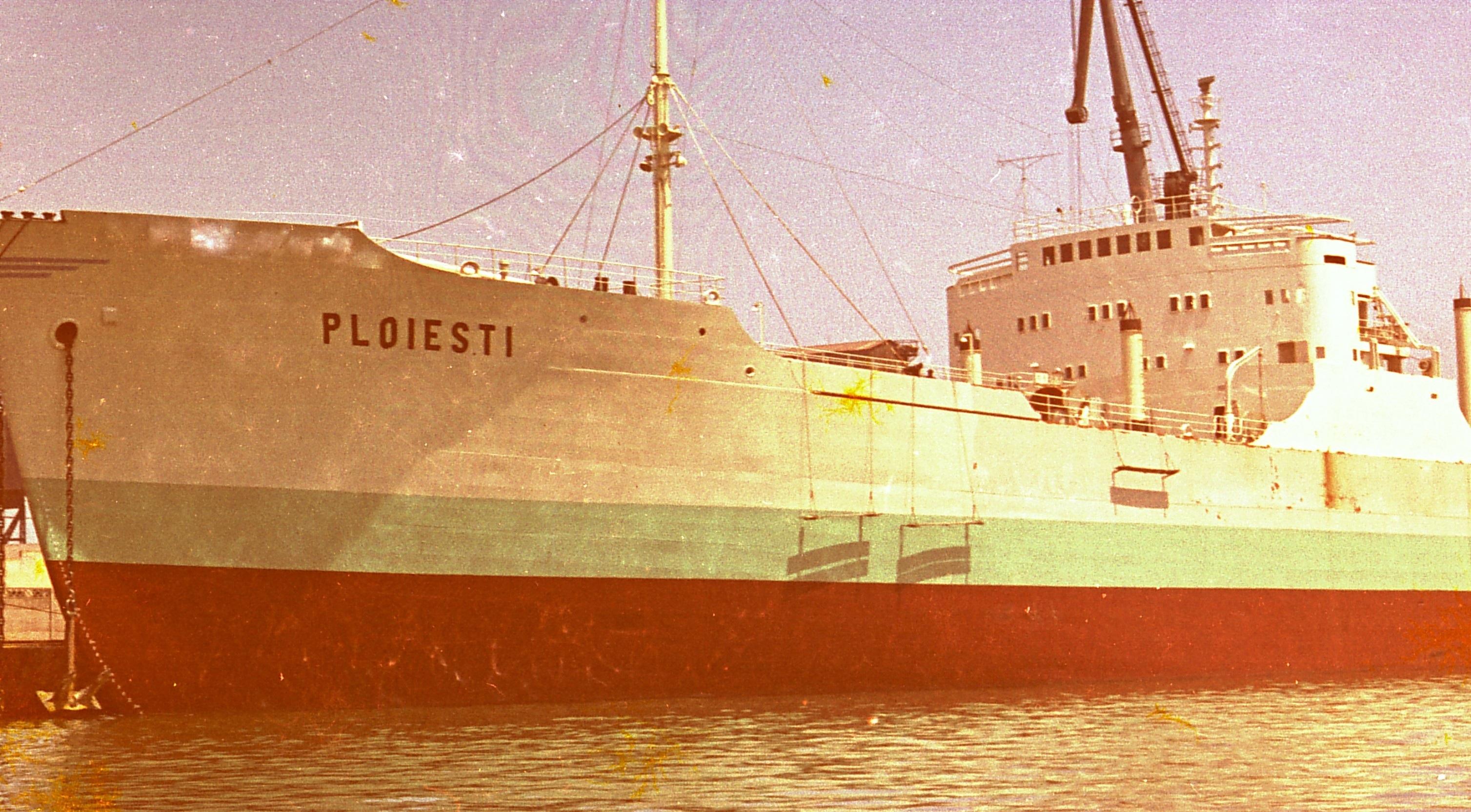 """Nava """"Ploiești"""", ex-""""Captain T. Basse""""."""