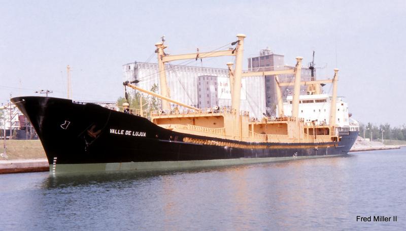 """În urma asaltului trupelor speciale portugheze, la bordul navei """"Valle de Lujua"""" ( """"Luna del Mar"""") au fost descoperite 2.800 kg de cocaină (evaluată la circa 150 milioane euro), ambalată în colete."""