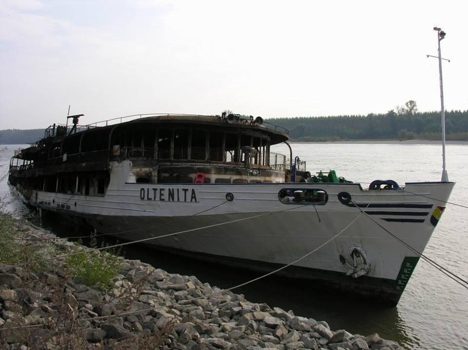 După stingerea incendiului, epava navei OLTENIȚA a fost abandonată.