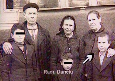 Radu Danciu, în mijlocul familiei.