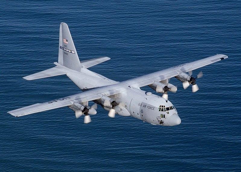 Un avion Lockheed C-130 Hercules a sosit la locul sinistrului, pentru salvarea supraviețuitorilor.