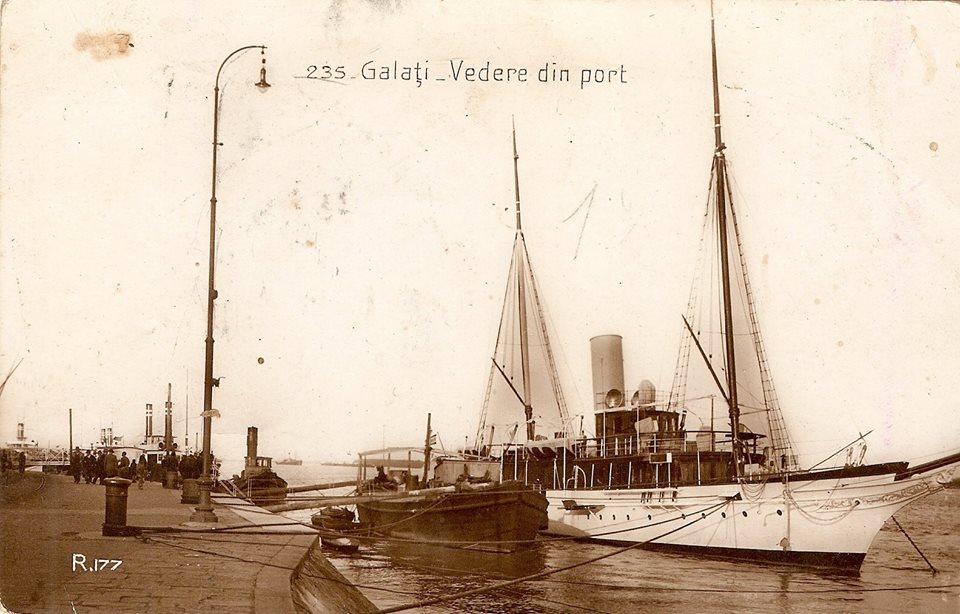 """Yachtul """"Carolus Primus"""" la Galați, în anul 1938."""