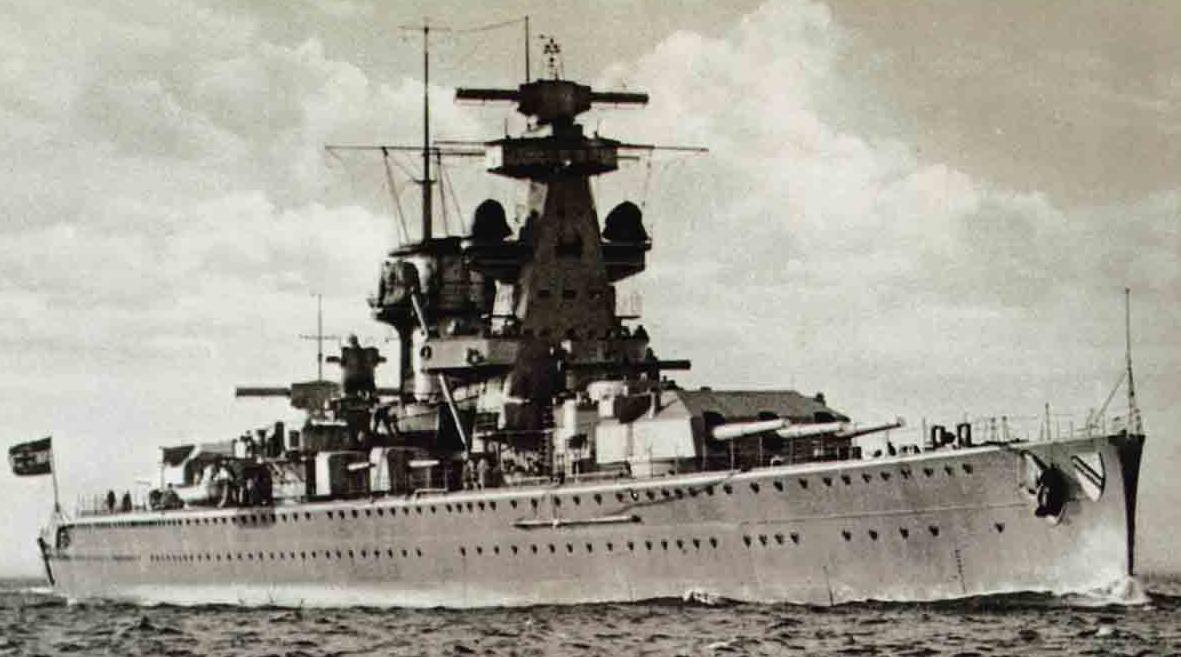 """Crucișătorul german """"Admiral Scheer""""."""