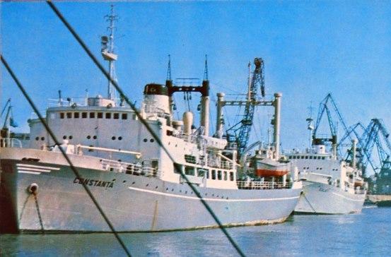 """Traulerul """"Constanţa"""" (cap de serie), tip """"Constanţa"""", clasa """"Constanţa"""" (pavilion: România, IMO: 6400068, armator: Întreprinderea de Pescuit Oceanic Tulcea, 2.037 tdw., 3.631 trb., 2.061 trn., lungime: 93,10 m, lăţime: 15,60 m, înălţime: 8,22 m, pescaj maxim: 4,95 m, echipaj: 80 membri, constructor: 1964, """"Hitachi Zosen"""", Innoshima - Japonia). Împreună cu traulerul """"Galaţi"""" a constituit nucleul Flotei româneşti de Pescuit Oceanic. Primul voiaj l-au efectuat, ca nave izolate, în Marea Bering şi în apele Noii Zeelande. În anul 1965 au pescuit în apele Islandei, după care au funcţionat în zona Atlanticului Central de Est. În vara australă a anului 1970/ 1971 au acţionat în Namibia. După anul 1975 au devenit nave de transport. Ca şi traulerul """"Galaţi"""", acest tip de navă a avut calităţi nautice slabe, viteză de traulare mică, ceea ce au constituit principalele impedimente în utilizarea lor. Traulerul """"Constanţa"""" a fost casat în anul 1989 şi şters din evidenţe în anul 1993. Navă soră: """"Galaţi""""."""