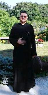 Cosmin Santie, preot paroh în Viforata (jud. Dâmbovița) a propus revenirea la afurisenia, anatema și excomunicarea credincioșilor.