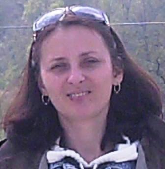 Veronica Mate (prof. învățământ primar), fiica Elenei Mate, fosta contabil-șef al Colegiului (dacă ar vorbi, multe s-ar ști)