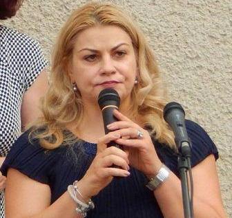Escroaca și impostoarea Anamaria Ciobotaru a pierdut funcția de director al Colegiului Pedagogic